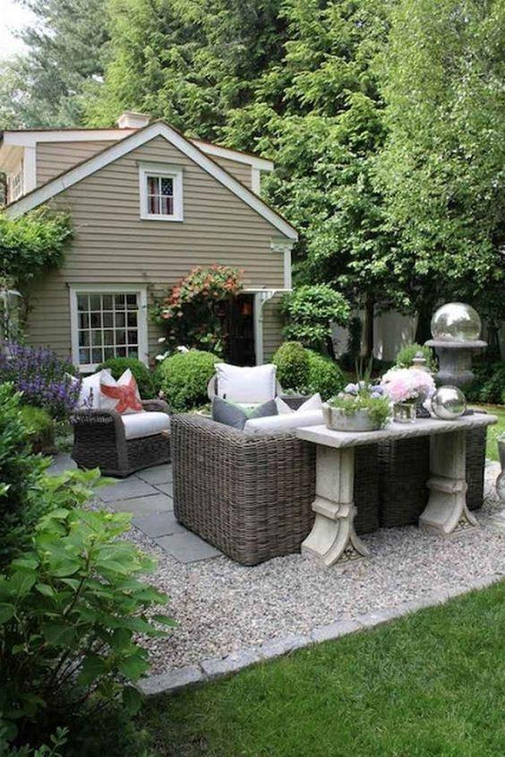 Patio on a Budget Ideas: Gorgeous Cozy Design