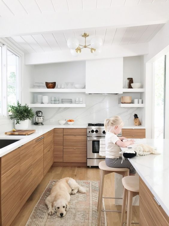 Wood Kitchen Ideas: Chic Coastal Decor