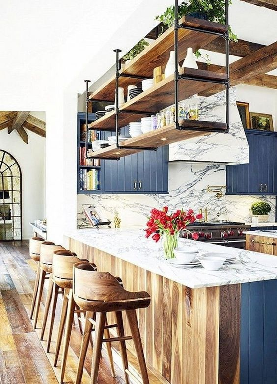 Wood Kitchen Ideas: Festive Earthy Decor