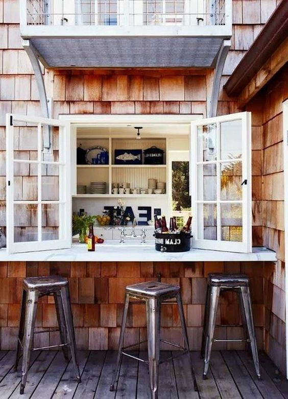 Backyard Bar Ideas: Simple Cozy Design