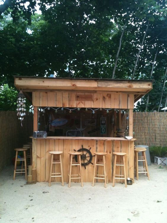 Backyard Bar Ideas: Fun Beach Design