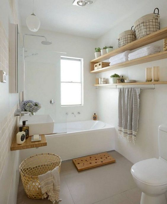 Bathroom Decor Ideas: Chic Farmhouse Decor