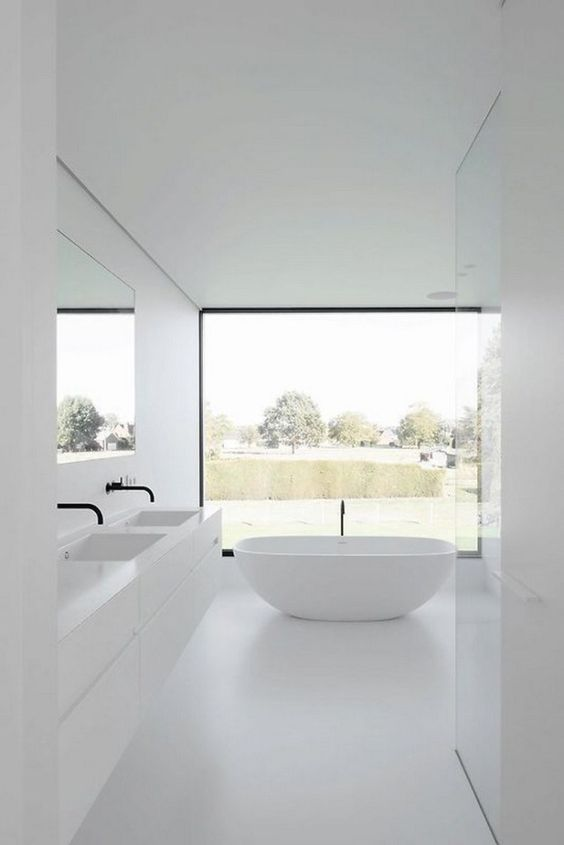 Bathroom Decor Ideas: Stunning All-White Decor