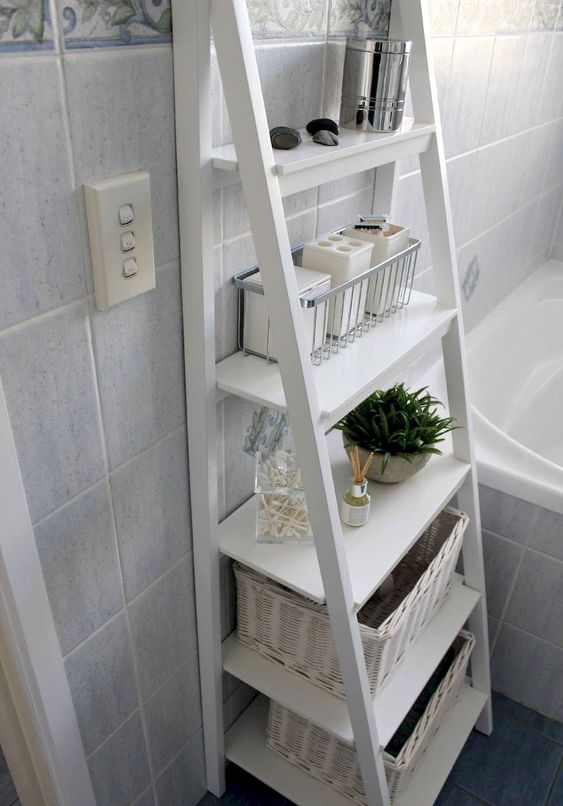 DIY Bathroom Organizations: Elegant Ladder Shelf