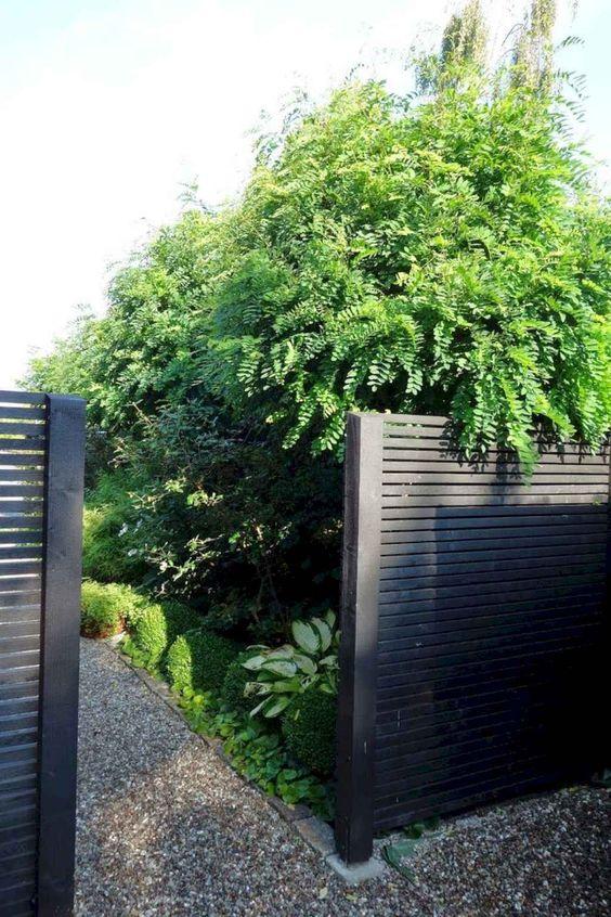 horizontal fence ideas 17