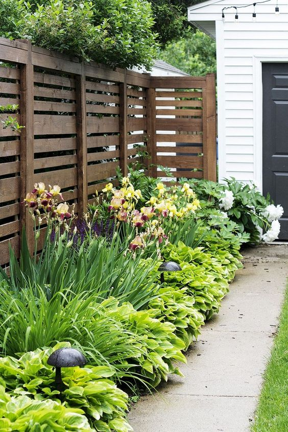horizontal fence ideas 18