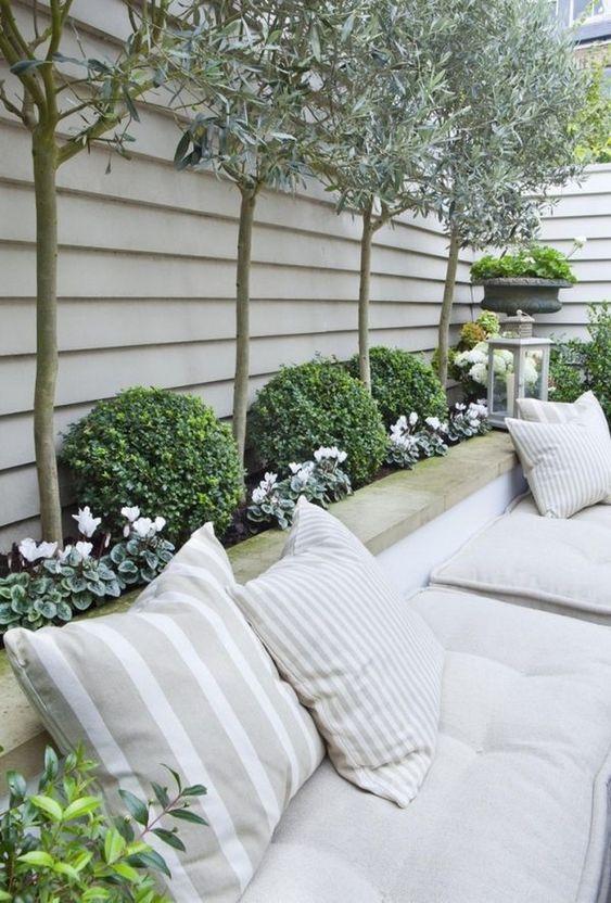 horizontal fence ideas 19