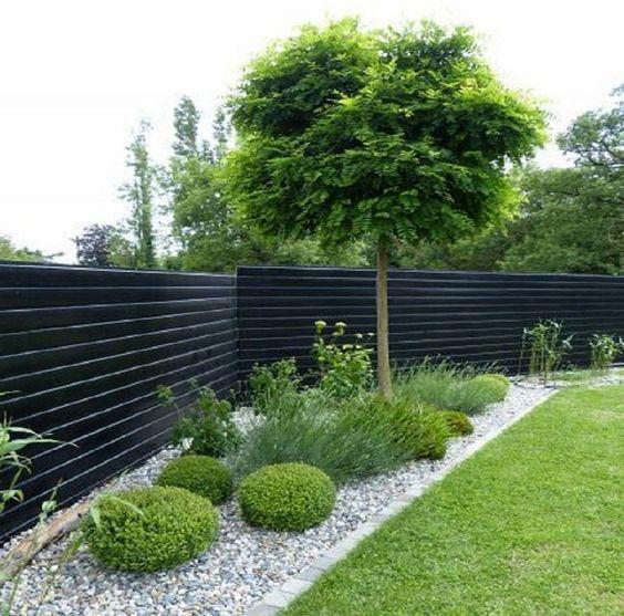 Horizontal Fence Ideas: Bold Elegant Design
