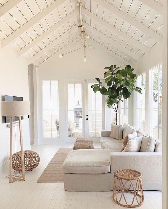 White Living Room Ideas: Beautiful Nautical Decor