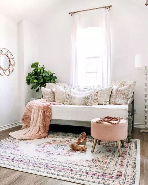 White Living Room Ideas: Simple Transitional Decor