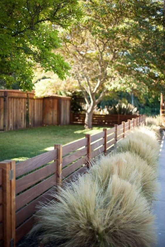 Backyard Fence Ideas 11