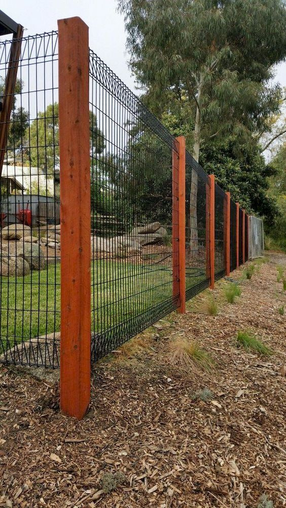 Backyard Fence Ideas 12