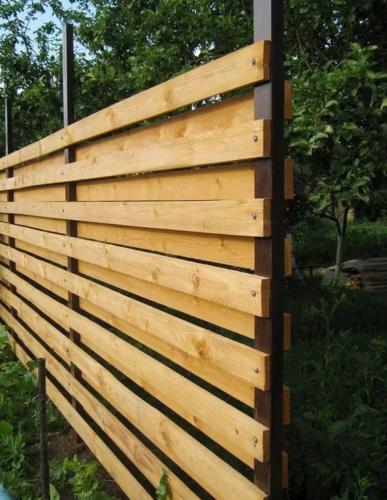 Backyard Fence Ideas 16