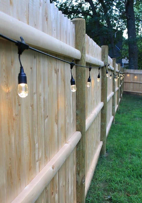 Backyard Fence Ideas 17