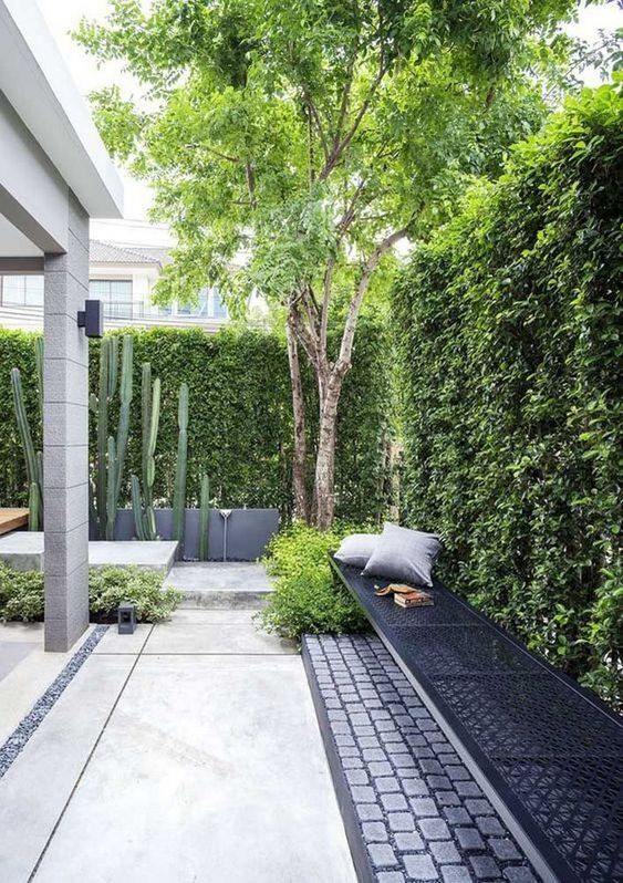 Backyard Fence Ideas 23