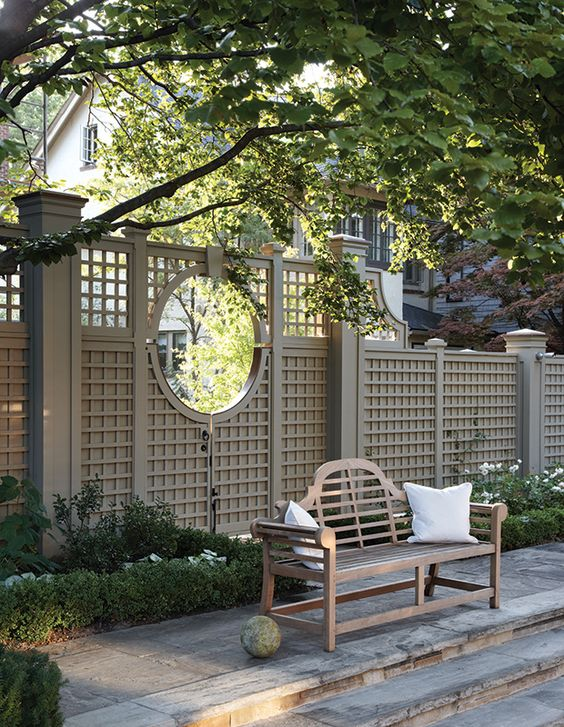 Backyard Fence Ideas 9