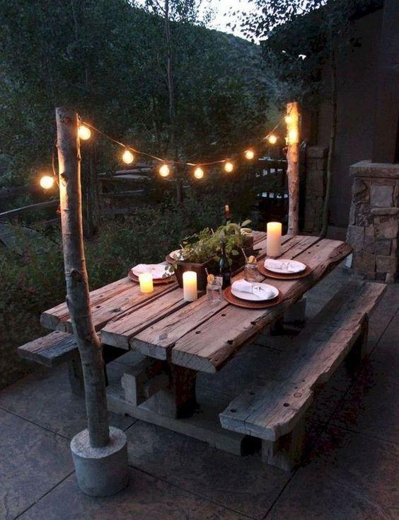 Backyard Furniture Ideas: Unique Log Decor