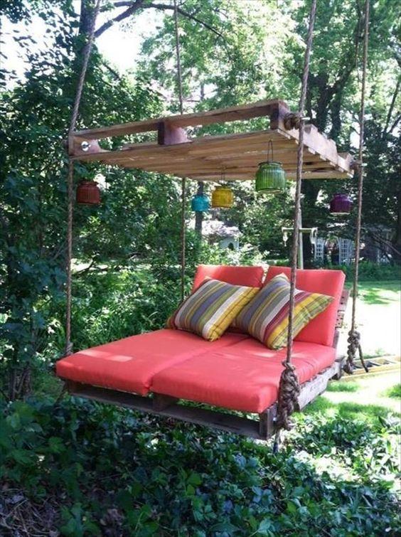 Backyard Furniture Ideas: Catchy Fun Decor