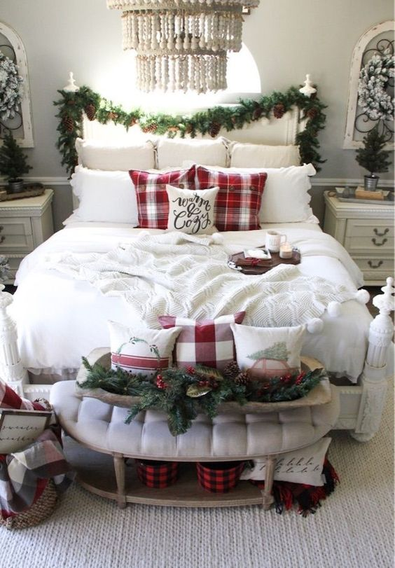 Christmas Bedroom Ideas: Simple Chic Decor