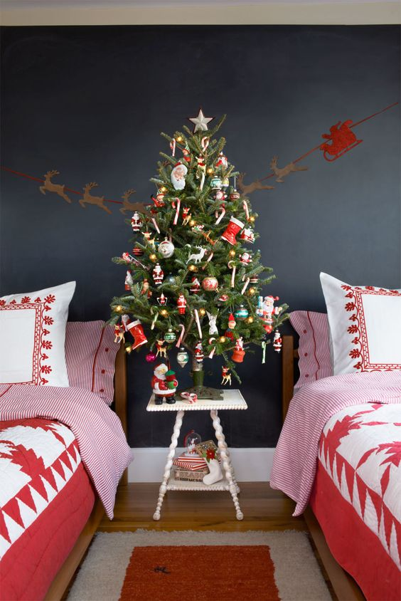 Christmas Bedroom Decor 11
