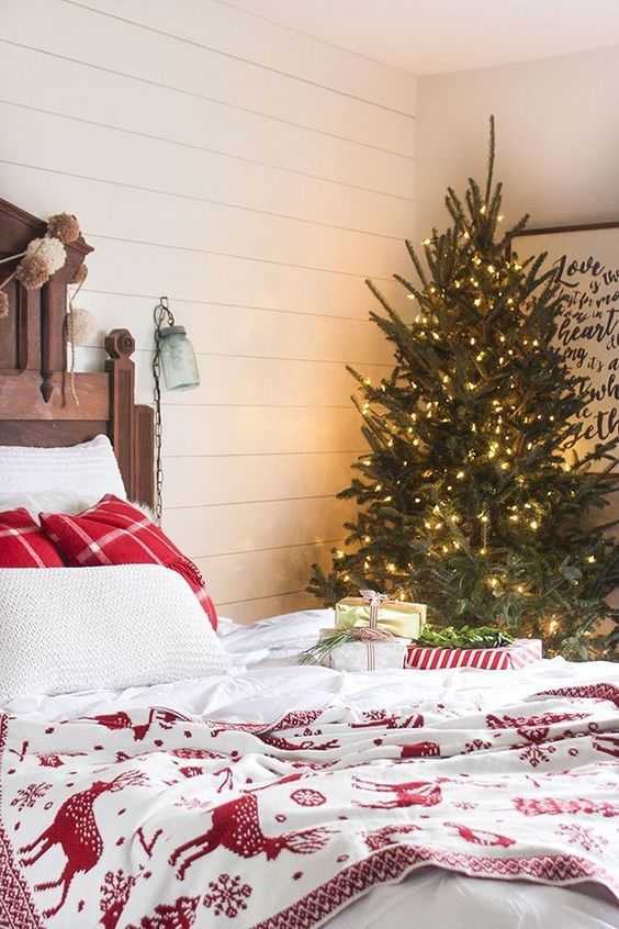 Christmas Bedroom Decor 12