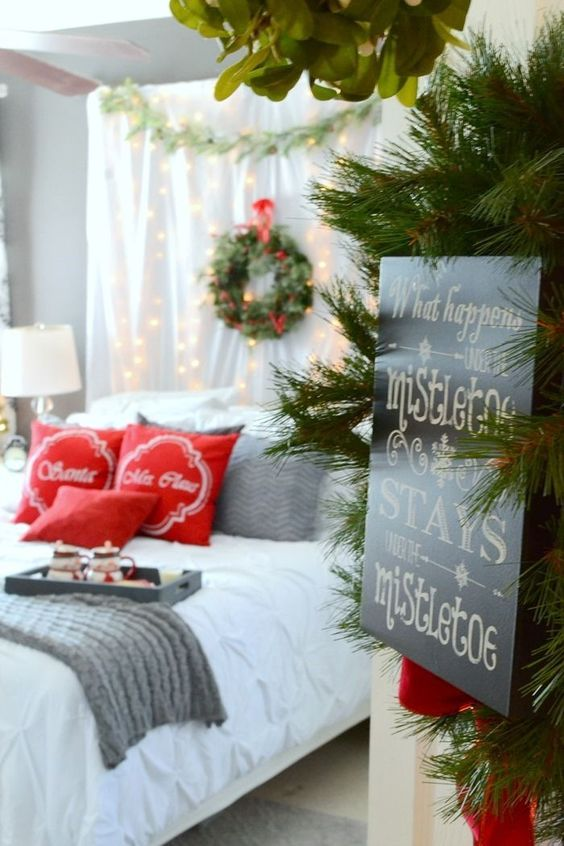 Christmas Bedroom Decor 13
