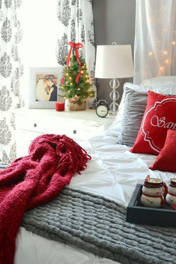 Christmas Bedroom Decor 14