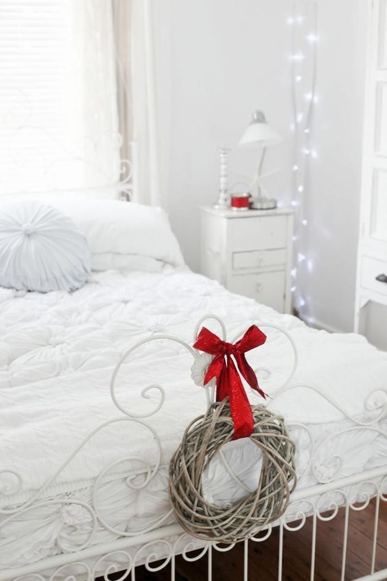 Christmas Bedroom Decor 17