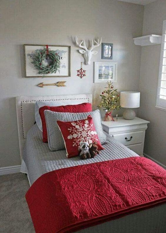 Christmas Bedroom Decor 18