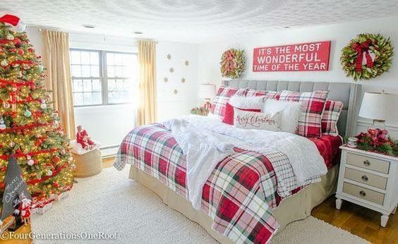 Christmas Bedroom Decor 24