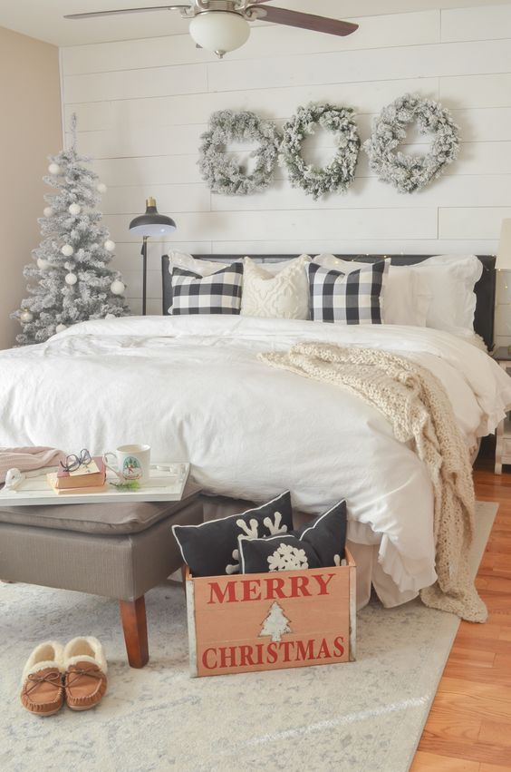 Christmas Bedroom Ideas: Elegant Neutral Decor