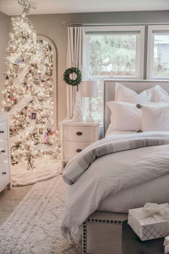 Christmas Bedroom Ideas: Sparkling Neutral Decor