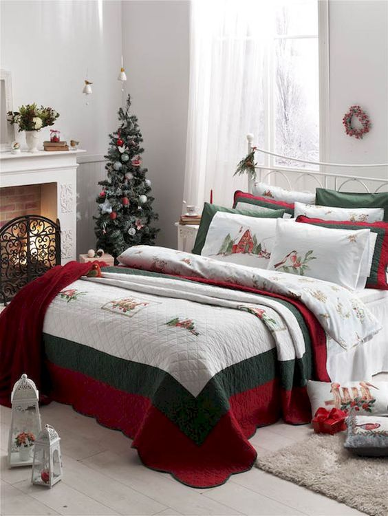 Christmas Bedroom Ideas: Bright Colorful Decor