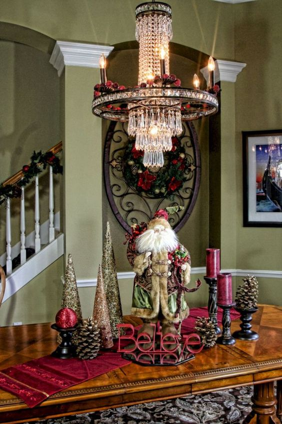 Christmas Dining Room Decor 15