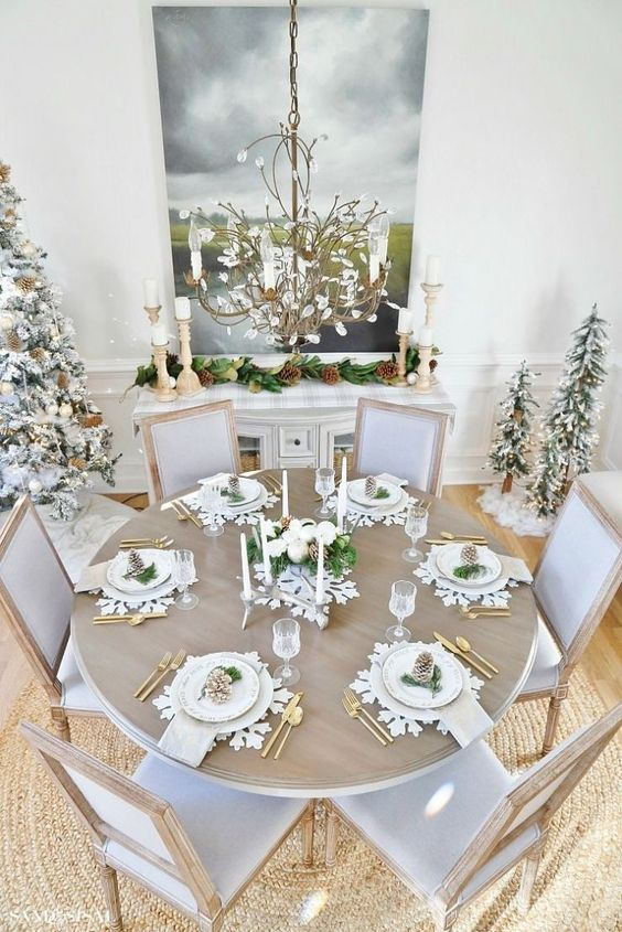 Christmas Dining Room Decor 18