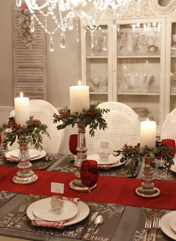 Christmas Dining Room Decor 19