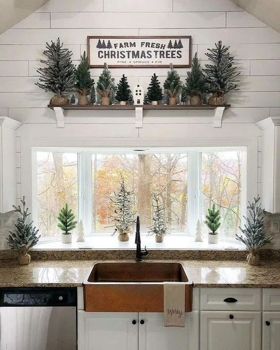 Christmas Kitchen Decorations: Chic Earthy Decor