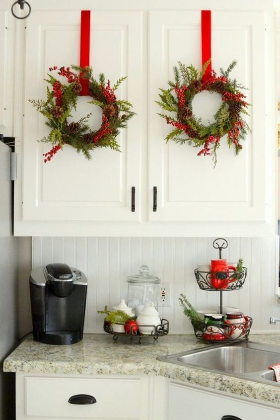 Christmas Kitchen Decorations: Simple Chic Decor