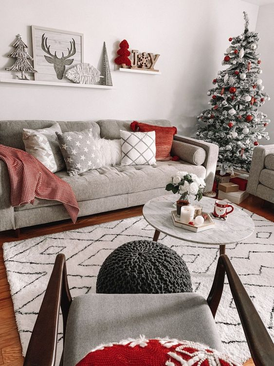Christmas Living Room Decor: Stylish Chic Decor