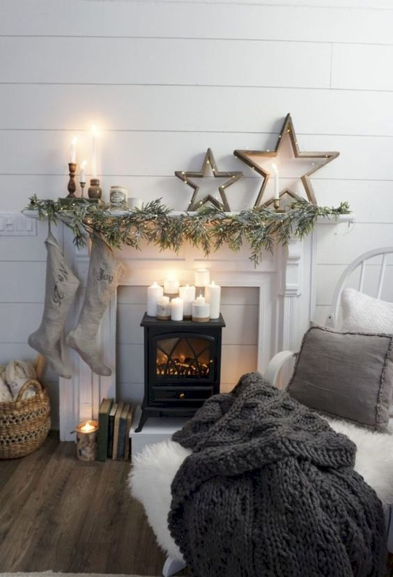 Christmas Living Room Decor: Simple Rustic Decor