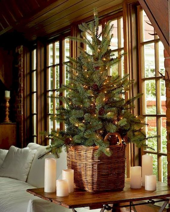 Christmas Living Room Decor: Chic Rustic Decor