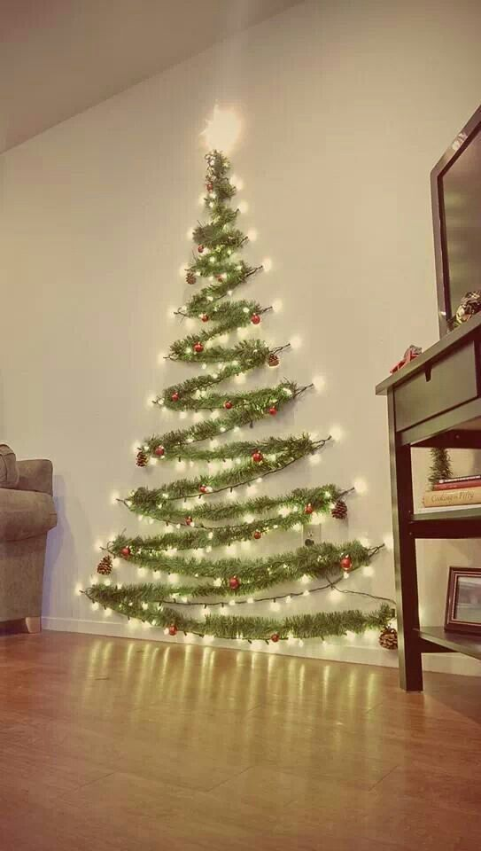 Christmas Living Room Decor: Cute Sparkling Tree