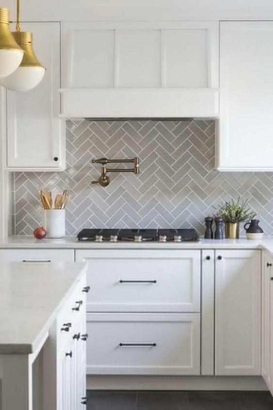 Kitchen Backsplash Ideas: Catchy Minimalist Style