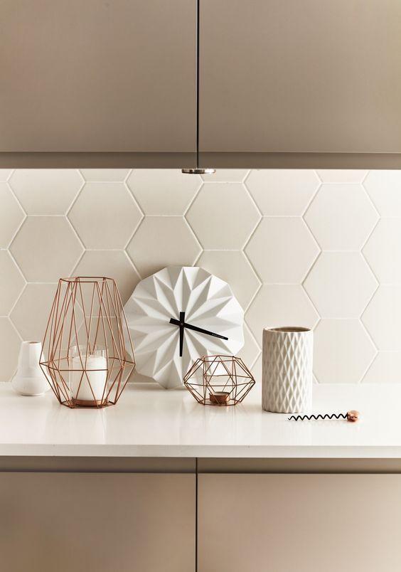 Kitchen Backsplash Ideas: Simple Contemporary Style