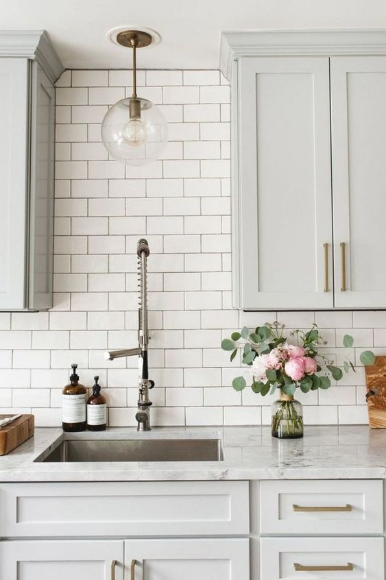 Kitchen Backsplash Ideas: Chic Farmhouse Style