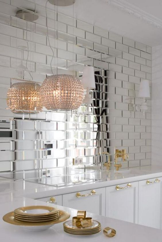 Kitchen Backsplash Ideas: Outstanding Mirror Style
