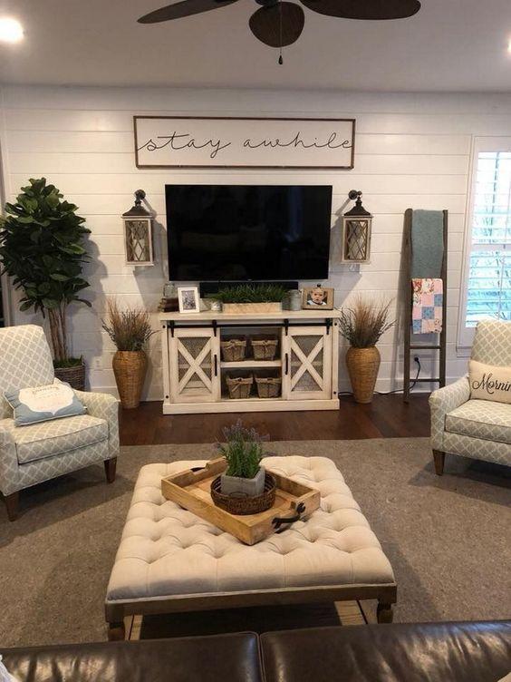 Living Room Decor Ideas: Chic Farmhouse Style