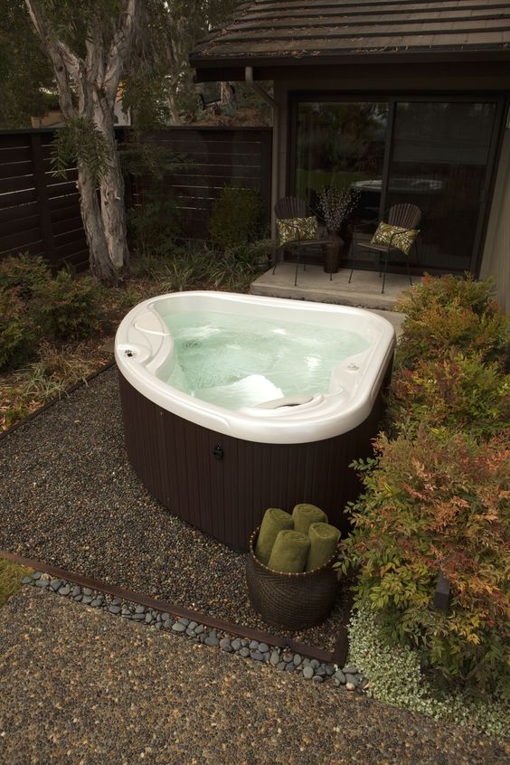 small hot tub ideas 13