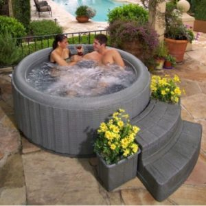 small hot tub ideas 15