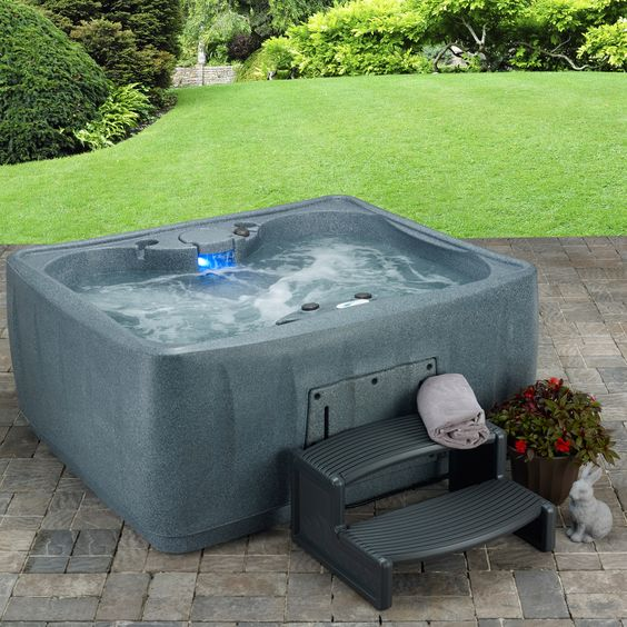 small hot tub ideas 18